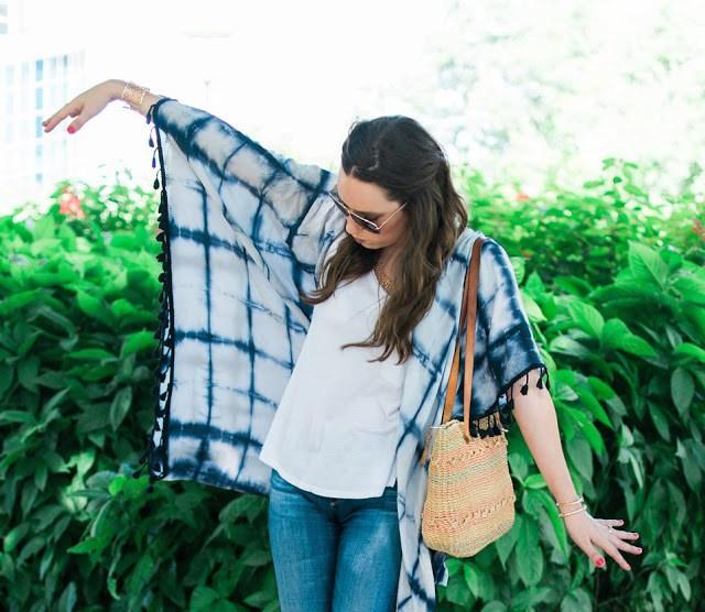 anthropologie kimono, tie dye kimono, anthropologie tie dye kimono, tie dye fringe kimono, kimono with tshirt and jeans, kimono style