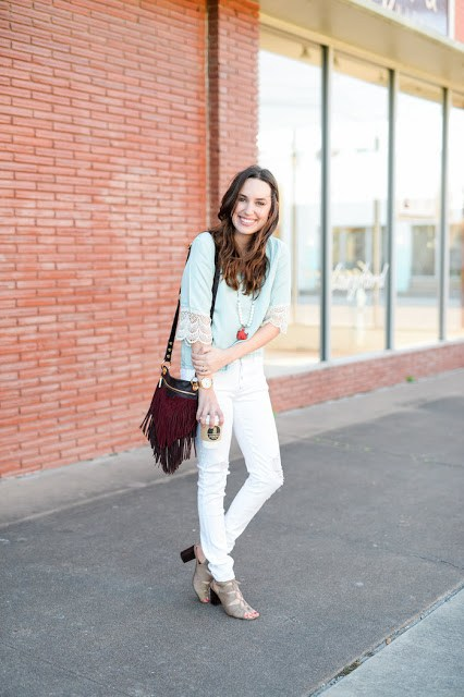 houston fashion blogger, texas fashion blogger, white jeans and a chambray top, how to wear white jeans, francesca's lace up heels, hammitt red fringe purse, alice kerley, the lone star looking glass, top houston fashion blogger, top texas fashion bloggers, spring style