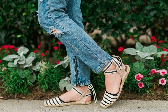 anthropologie espadrilles, anthropologie striped sandals, anthropologie soludos, d'orsay espadrilles, soludos wrapped d'orsay espadrilles, anthroplogie d'orsay shoes, soludos striped espadrilles, espadrilles and jeans,