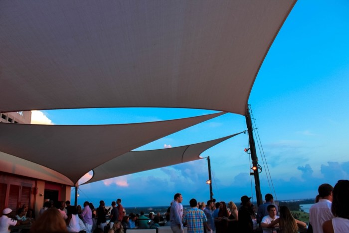 The rooftop bar at the Madison Hotel in Memphis, Tennessee