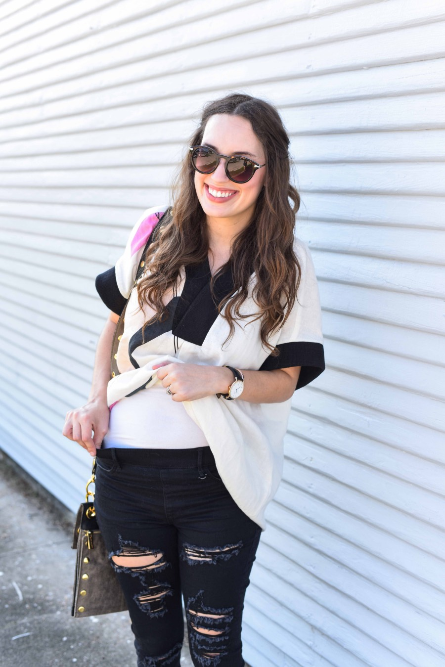 Alice of Lone Star Looking Glass shares tips on how to wear your regular jeans when you're pregnant in her True Religion jeans.