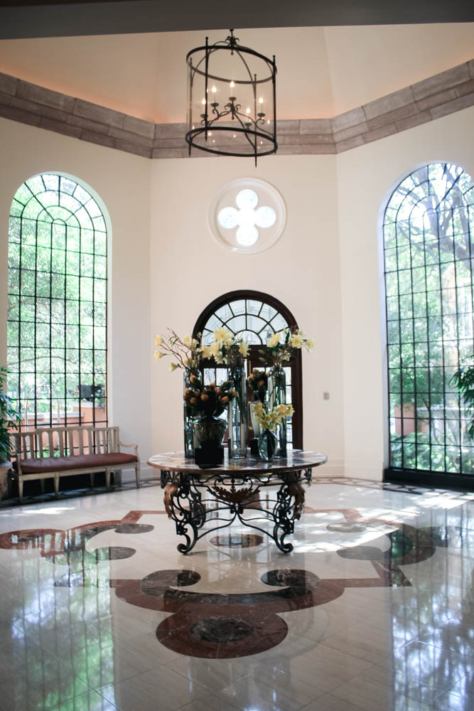 The lobby at The Rosewood Mansion in Dallas, TX.