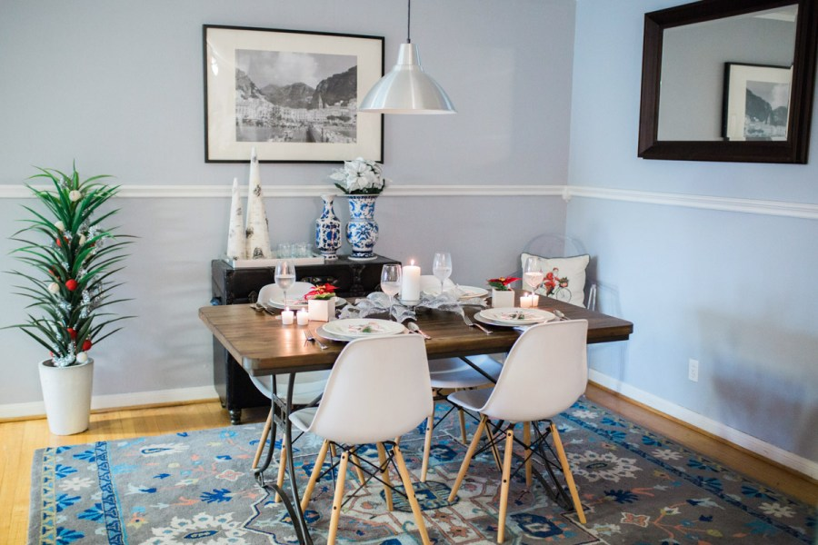 mid_century_dining_room_holiday_decor-4