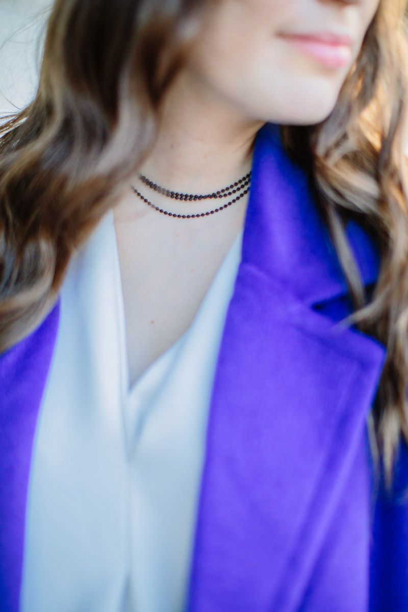 Houston fashion blogger styles a blue JOA coat with an UNO Magnetic choker.