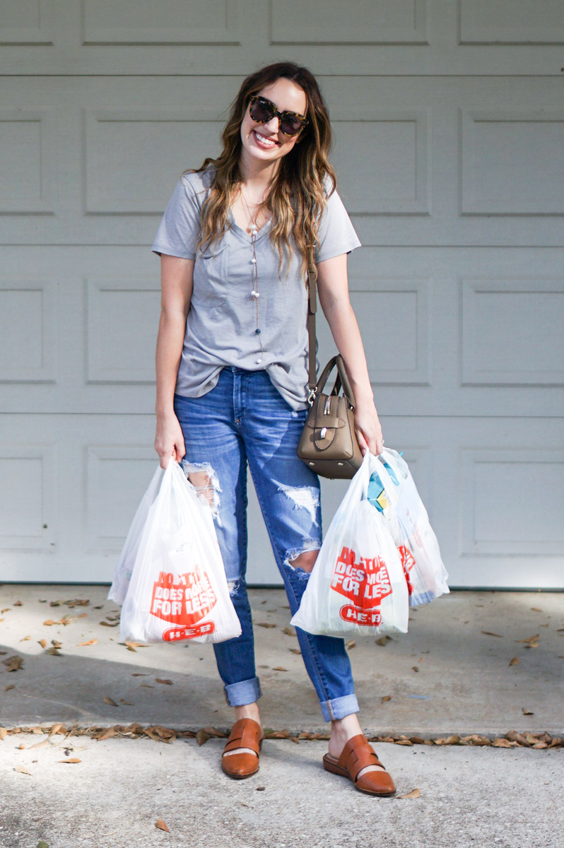 Heb curbside pickup review with Texas life & style blogger.