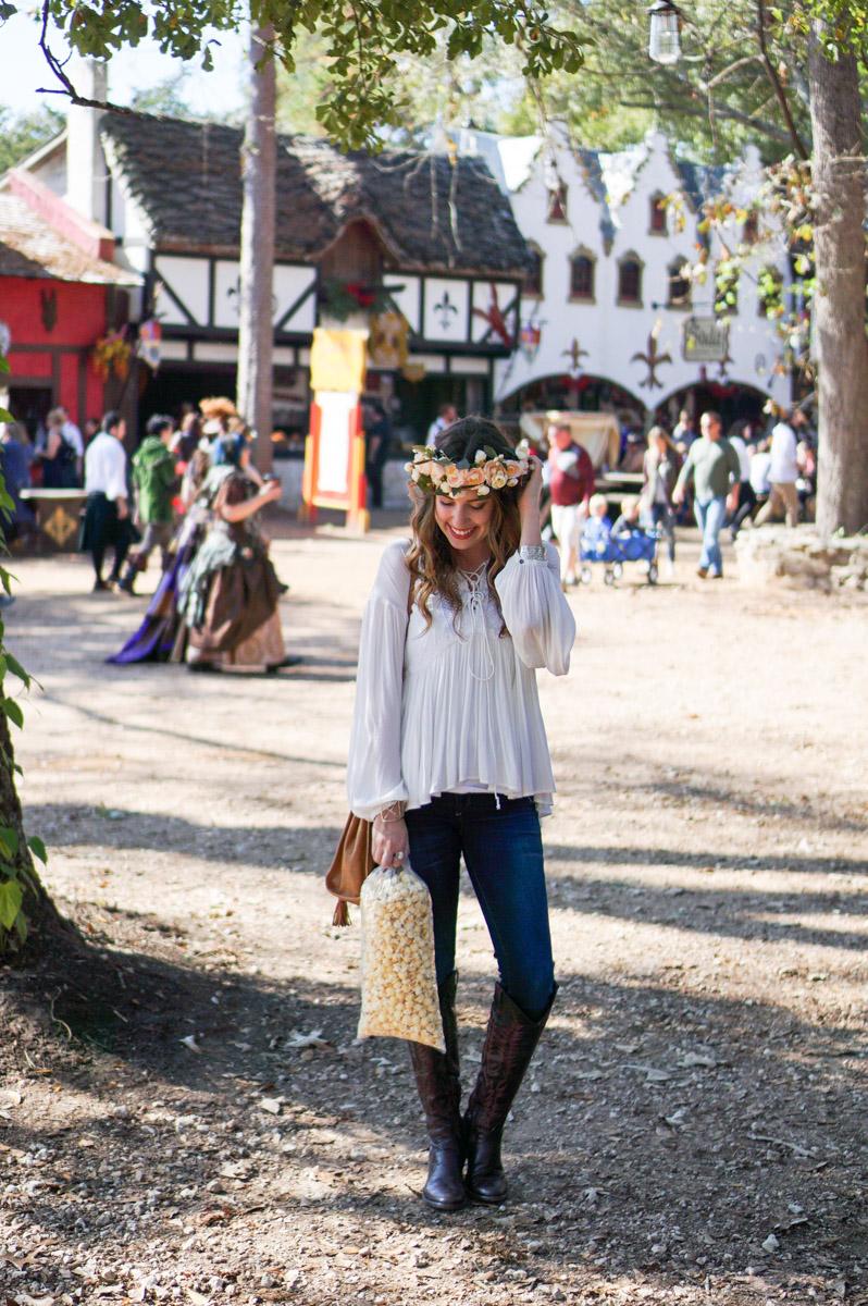 Houston fashion and travel blogger visits the Texas Renaissance Festival