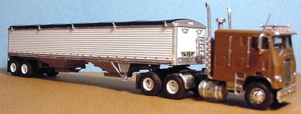 Wilson Grain Trailer & Freightliner