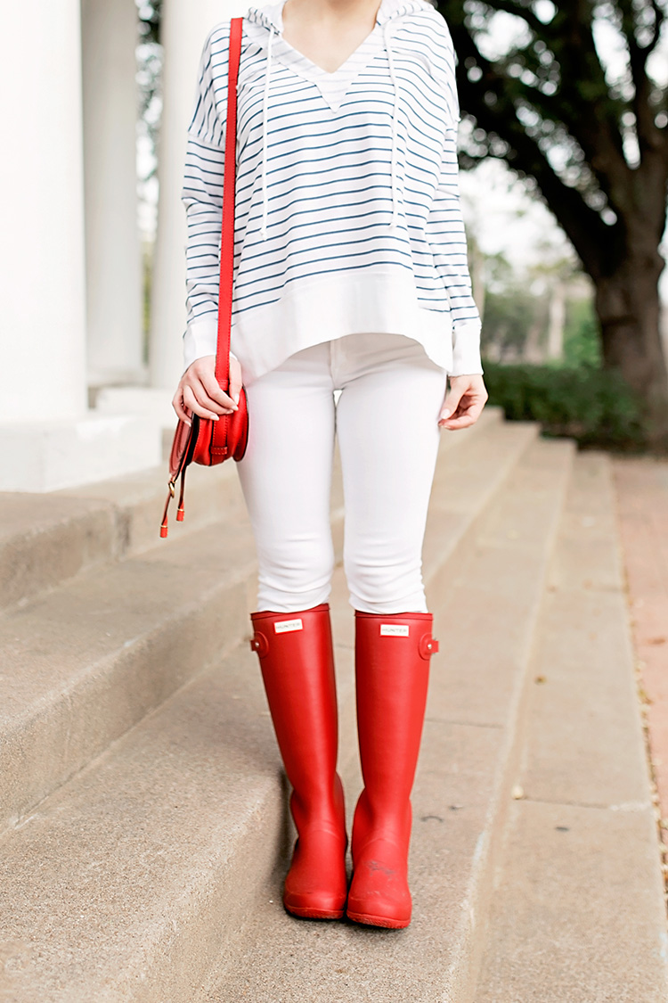 how to style red hunter boots