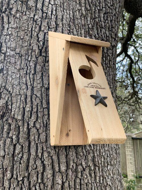 Bluebird house (pivoting door)