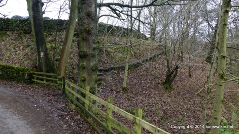 The start of the path up Crowden Clough, just beyond the farm at Upper Booth