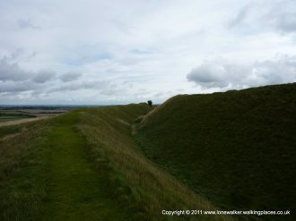 .....and then a short diversion to walk around the rim of the fort's embankment