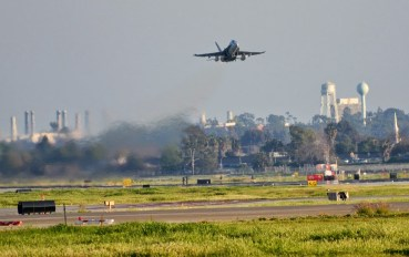 long beah airport f18 takeoff