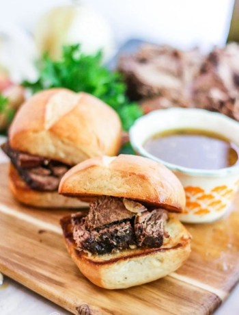 This slow cooker Italian beef sandwich recipe is a family favorite and a crowd pleaser every time. Get an easy start on dinner today and use the leftovers all week long! #longbournfarm #homemademeal #homeamdedinner #cookingfromscratch #scratchcooking #homecooked #homecookedmeal #homecookeddinner #simplefood #homegrownfood #fromscratch #roastbeef #italianroastbeef #roastbeefsandwich #italianbeefsandwich #italianbeef #beefsandwich #slowcookermeal #crockpotmeal