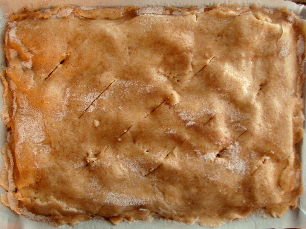 Apple Pie Bars | longdistancebaking.com