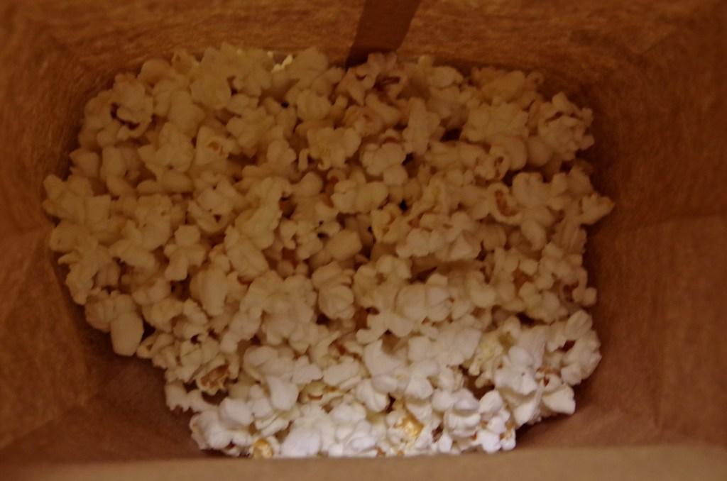 Insanely Easy Microwave Popcorn | longdistancebaking.com