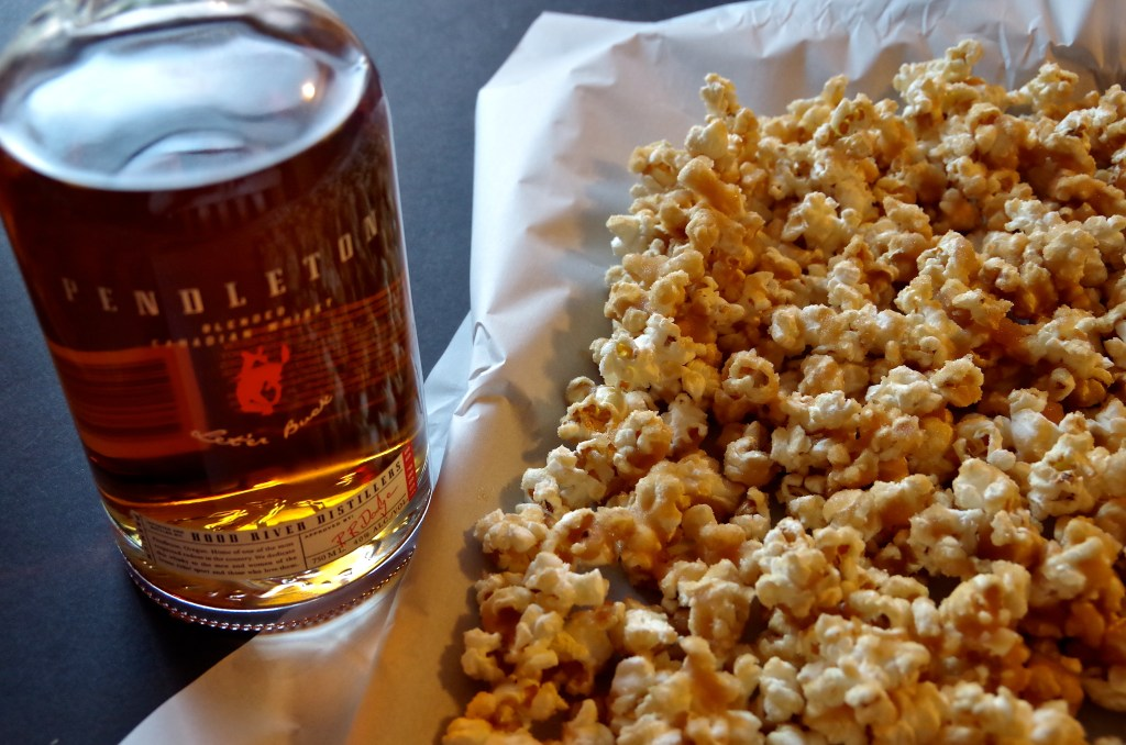 Whiskey Caramel Corn | longdistancebaking.com