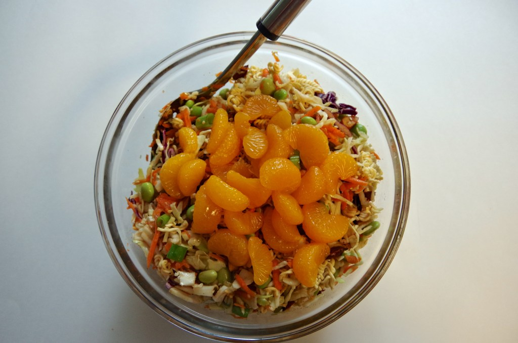 Sriracaha Ramen Noodle Salad | longdistancebaking.com