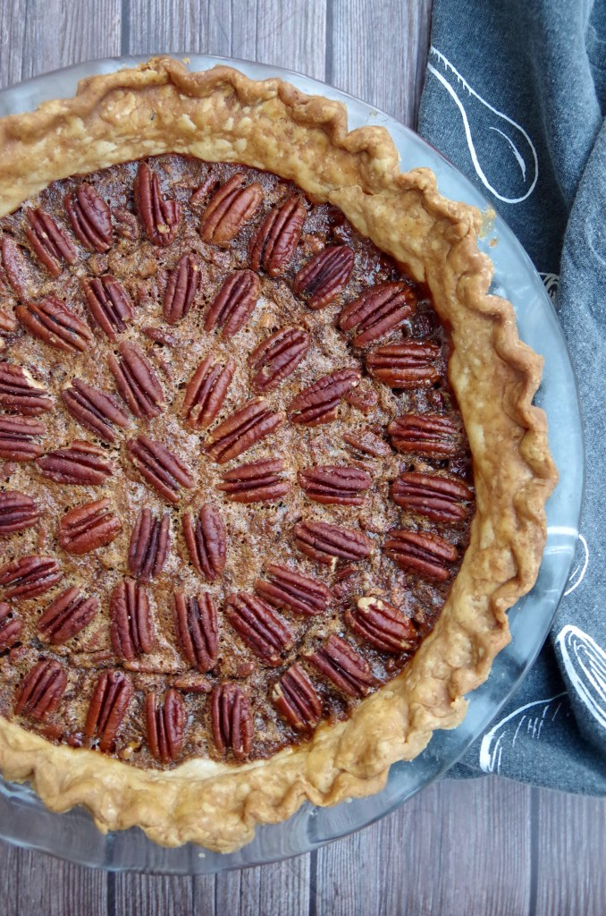 Traditional Pecan Pie | longdistancebaking.com