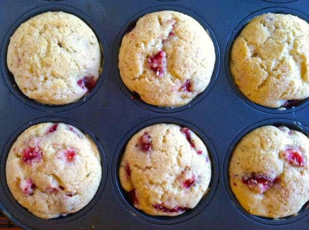 Fresh Lemon Strawberry Muffins | longdistancebaking.com
