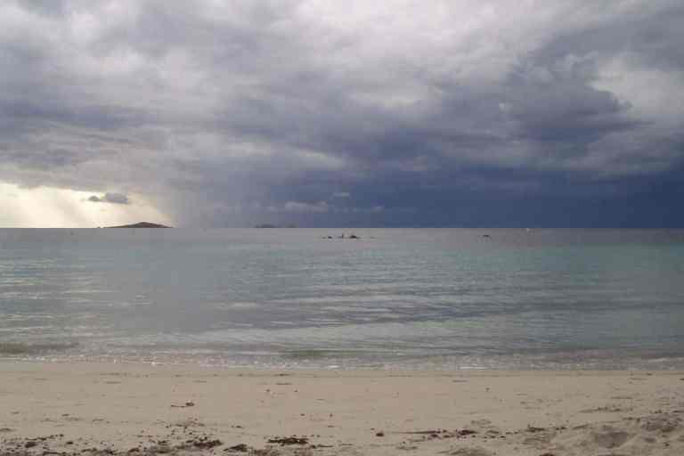 Read more about the article Les marées, la météo, quel est leur impact sur la pratique du longe-côte / marche aquatique ?