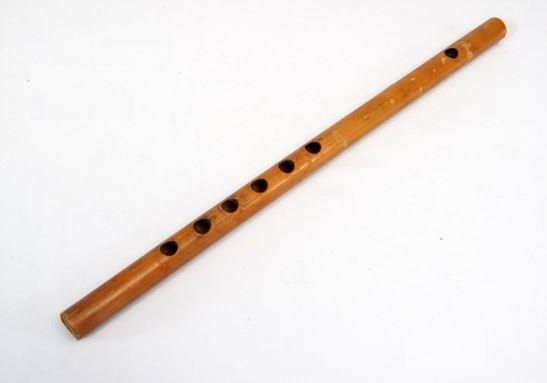 Alat Musik Tradisional Sulawesi Tenggara Seruling Bambu