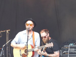 Hiss Golden Messenger at End Of The Road