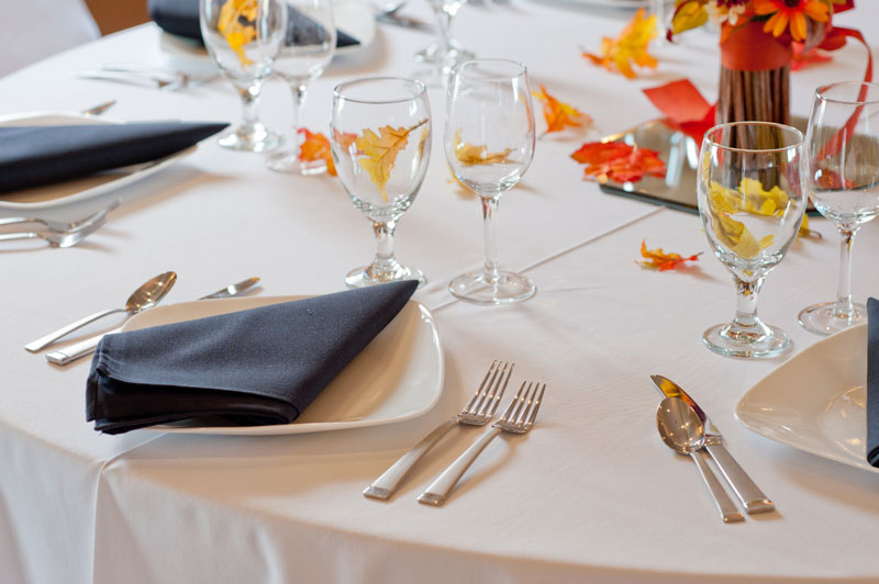 A beautiful autumnal table setting for a fun fall event at Longmeadow Event Center
