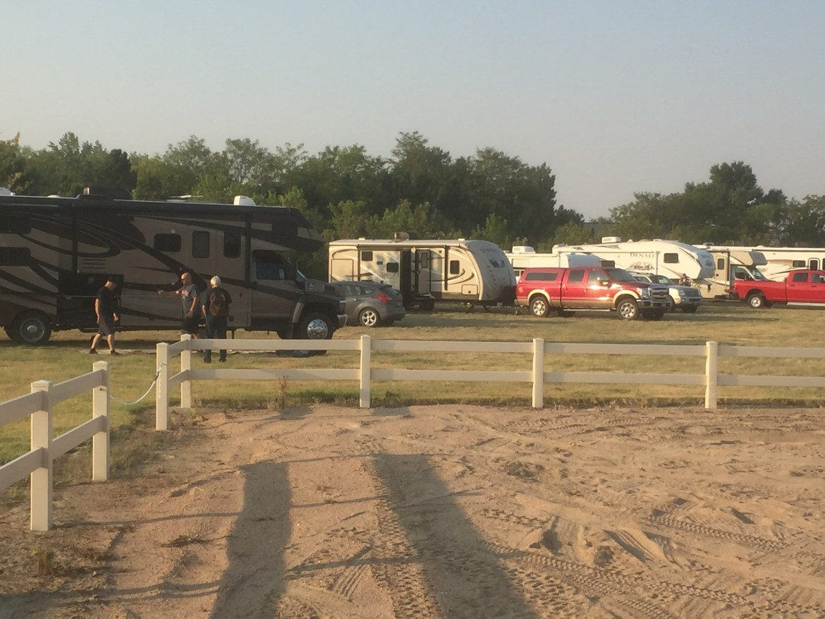 Luxury Lodging and RV - RV Spaces at Longmeadow - Lodging in Eastern Colorado