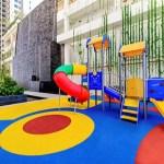 Khu sân chơi trẻ em trong khuôn viên dự án.