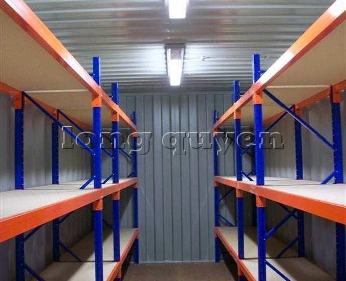 Giá kệ để hàng trong container 02020