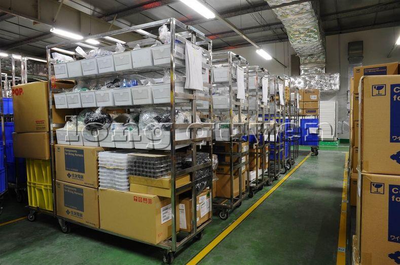 Xe đẩy vật tư đa năng xe đẩy inox trong kho hàng công ty SD Việt Nam