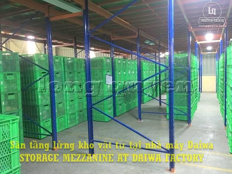 Sàn tàng lửng kho vật tư khung giá kệ pallet lắp ráp tại nhà máy DAIWA (6)