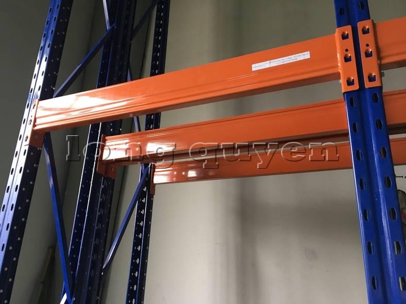 Kệ sắt kệ để hàng kệ kho hàng lắp đặt tại nhà máy thiết bị điện Sanaky (1)