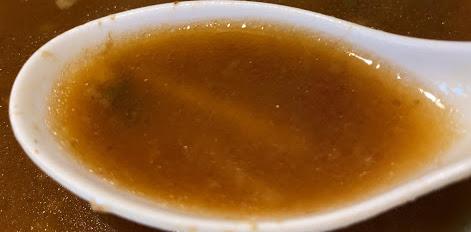 メンヤードファイトのラーメン小の麺とスープ2