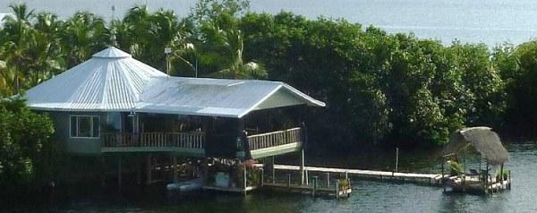 House sitting in Bocas del Toro, Panama