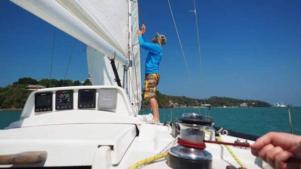 Hoist the mainsail !!
