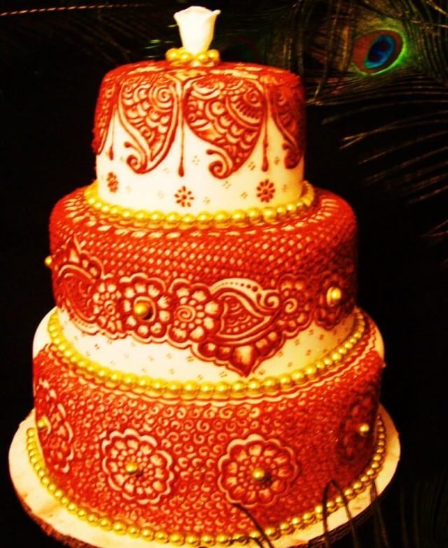 Red Henna on a Wedding Cake