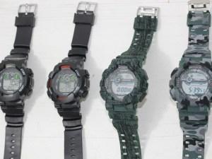 Reloj digital negro o camuflaje supervivencia comercial con varias funciones