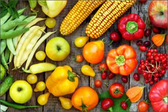 viele verschiedene bunte Sorten Obst und Gemüse