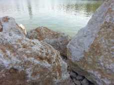 mopana-white-beautiful-rocks-03