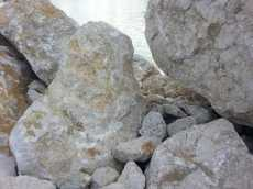 mopana-white-beautiful-rocks-19