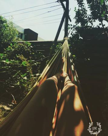 mopana-relaxation-in-the-hammock-02
