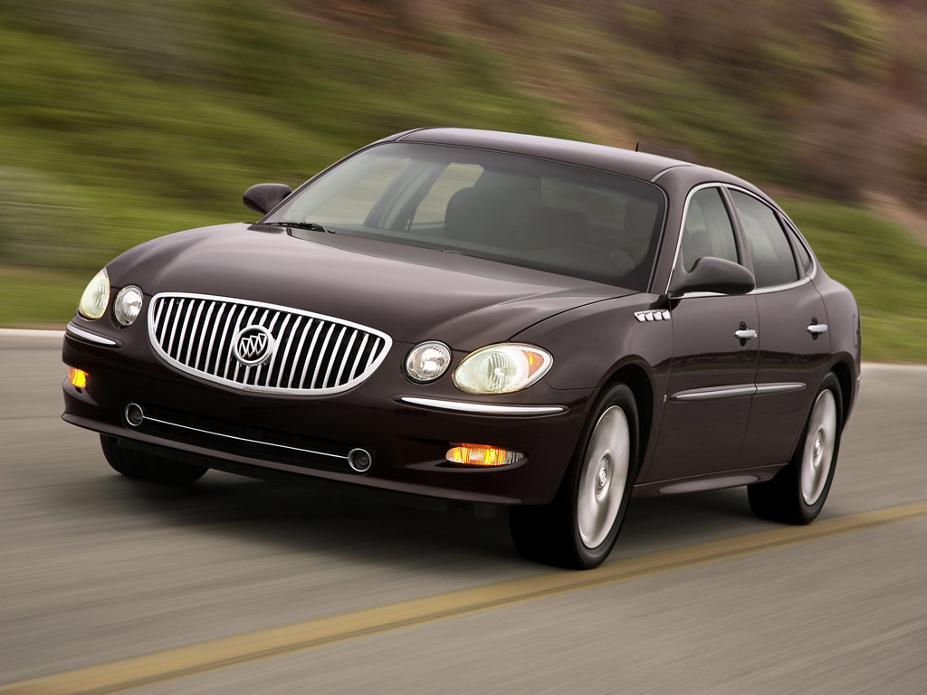 hight resolution of buick regal 2005 photo 2