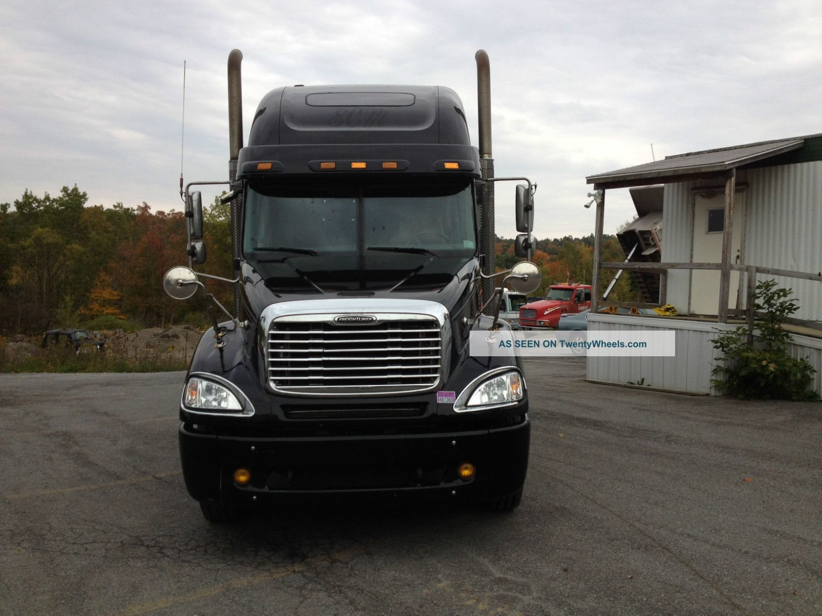 hight resolution of freightliner columbia 2005 photo 3