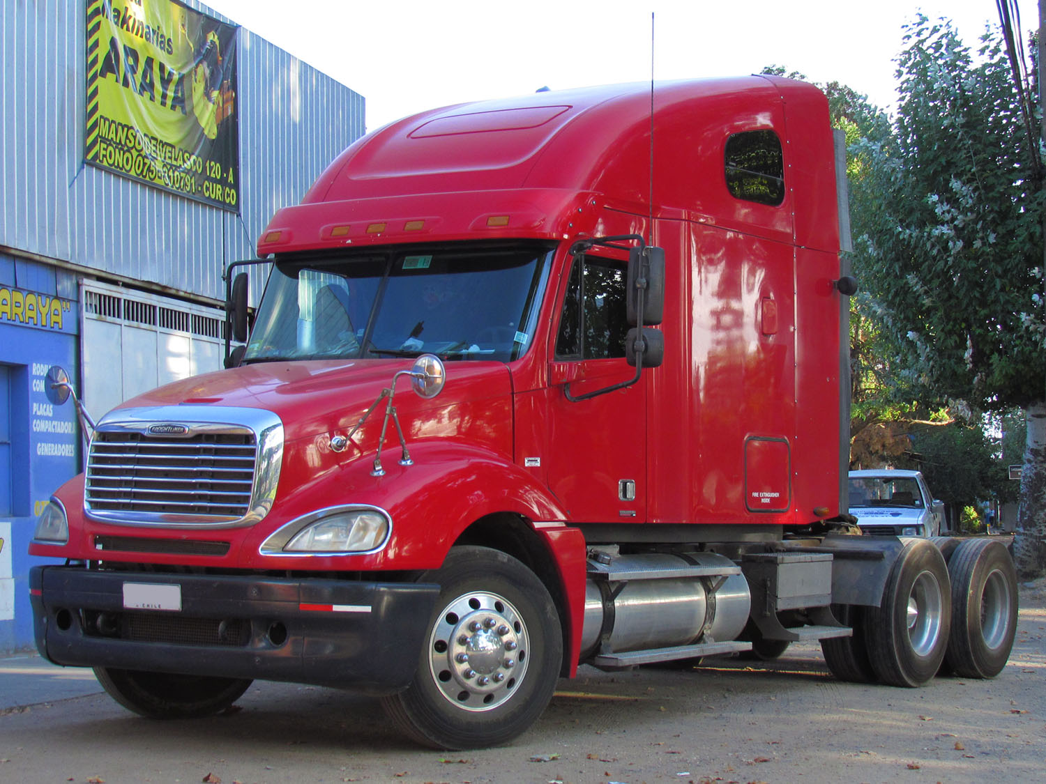 hight resolution of freightliner columbia 2008 photo 2