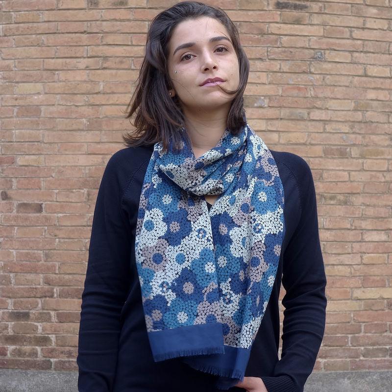 bufanda mujer azul look by lyly moda sostenible