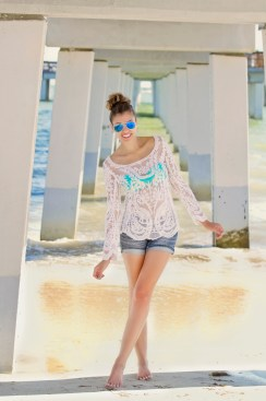 For details of this look go to https://lookchicblog.com/2016/05/13/beach-lace/