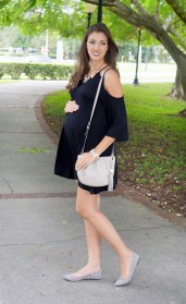 For details of this look go to https://lookchicblog.com/2016/10/25/joys-of-pregnancy/