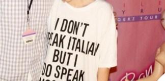 Miley Cyrus tshirt Moschino