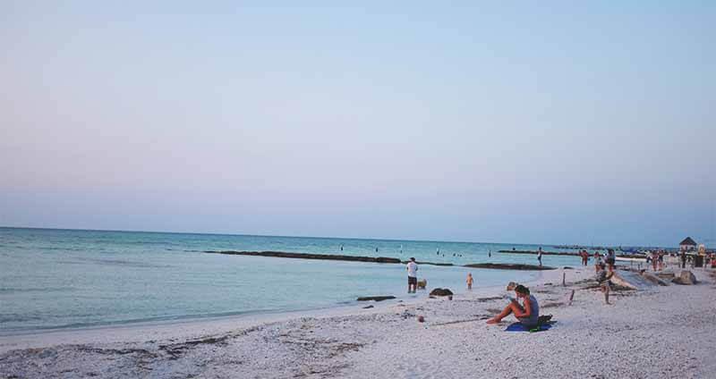 Final da tarde na praia